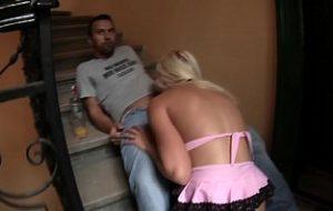alte frau im treppenhaus gefickt porno